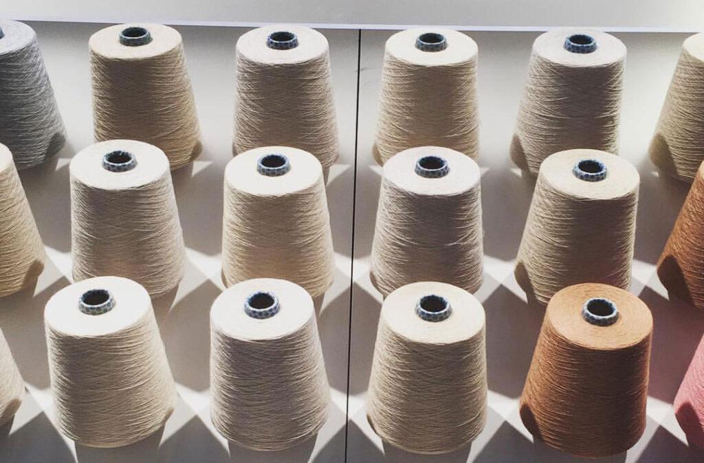 Виробництво акрилової тканини